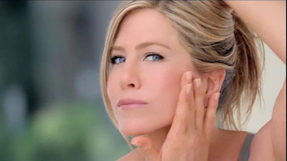 Aveeno Positively Radiant TV Spot, 'Spots' Featuring Jennifer Aniston - Screenshot 5