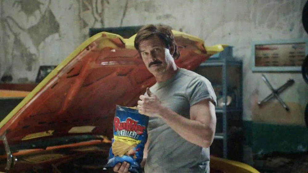 Ruffles Ultimate Tangy Honey Mustard TV Spot, 'Action Hero' - Screenshot 8