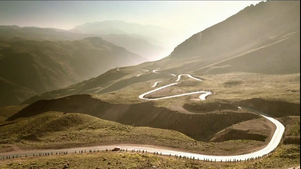 Jaguar F-Type TV Spot, 'It's Your Turn To Discover It' - Screenshot 3