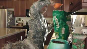 Iams Shakeables TV Spot, 'Rocky & a Soldier' - Thumbnail 3