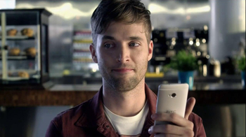 HTC One TV Spot, 'Blink Feed'