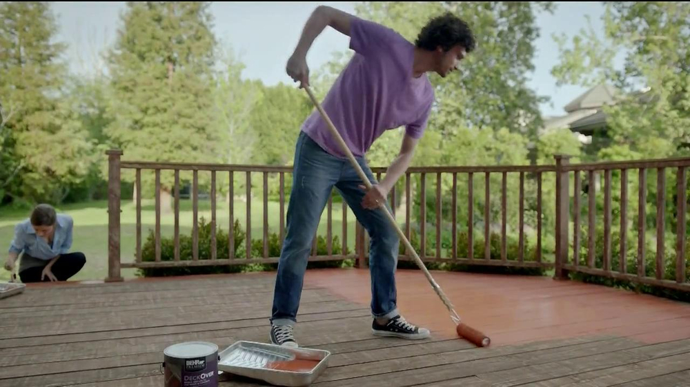 BEHR Paint DeckOver TV Spot, 'Dance Party' Song by Robert Parker - Screenshot 5