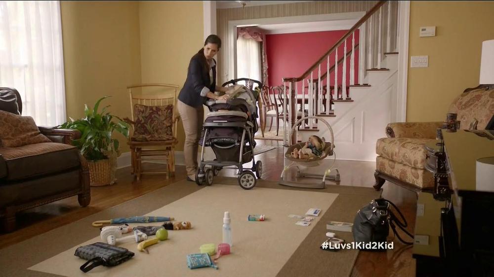 Luvs TV Spot, 'Park' - Screenshot 3