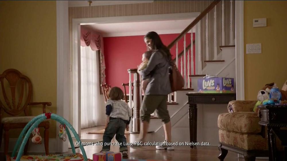 Luvs TV Spot, 'Park' - Screenshot 8