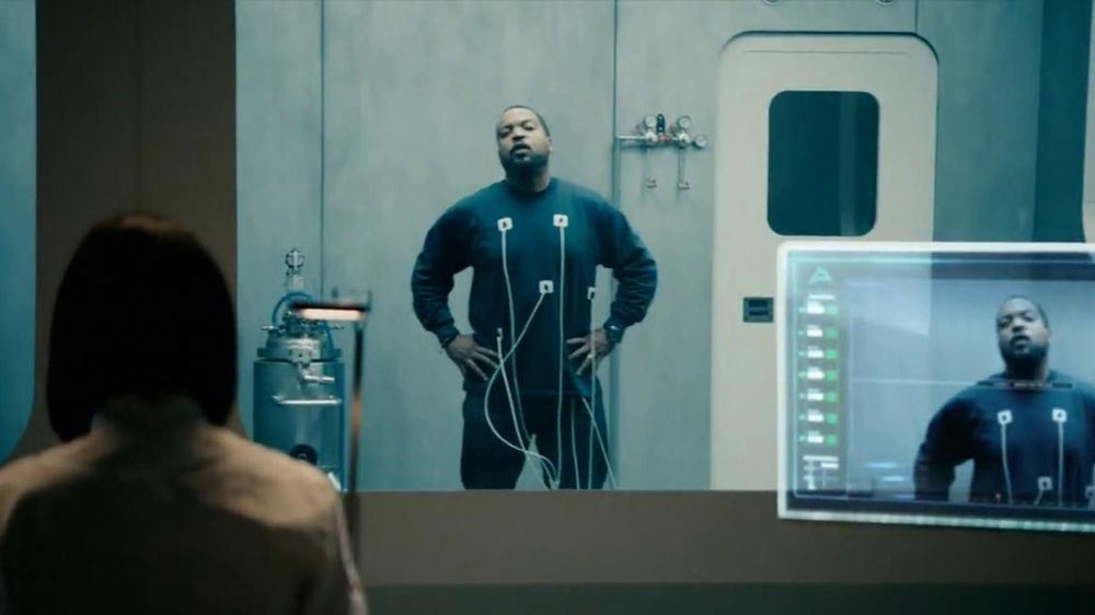 Coors Light TV Spot, 'World's Most Refreshing Can' Featuring Ice Cube - Screenshot 3