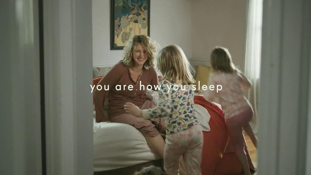 Tempur-Pedic TV Spot, 'Bear' - Screenshot 9
