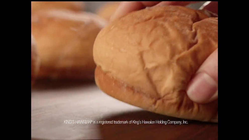 Arby's King's Hawaiian Roast Beef Sandwich TV Spot, 'It's Ono' - Screenshot 8