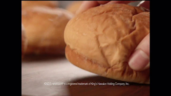 Arby's King's Hawaiian Roast Beef Sandwich TV Spot, 'It's Ono' - Thumbnail 8