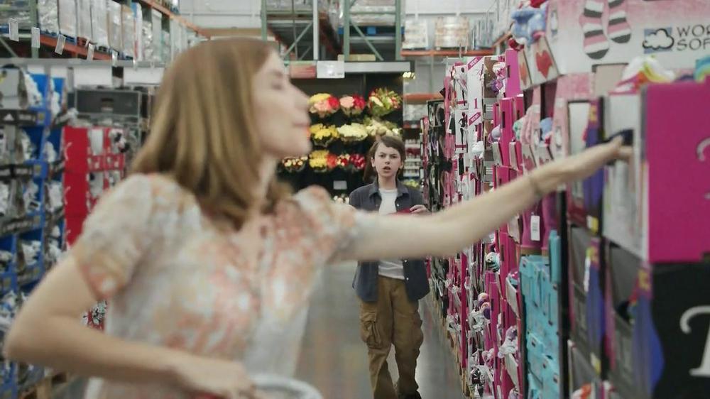 Oscar Mayer Selects TV Spot, 'Yes Food: Warehouse' - Screenshot 2