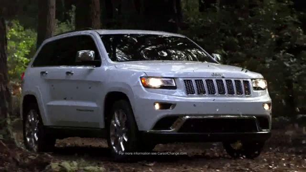 2015 jeep cherokee latitude tv spot 39 2015 award season event 39. Black Bedroom Furniture Sets. Home Design Ideas