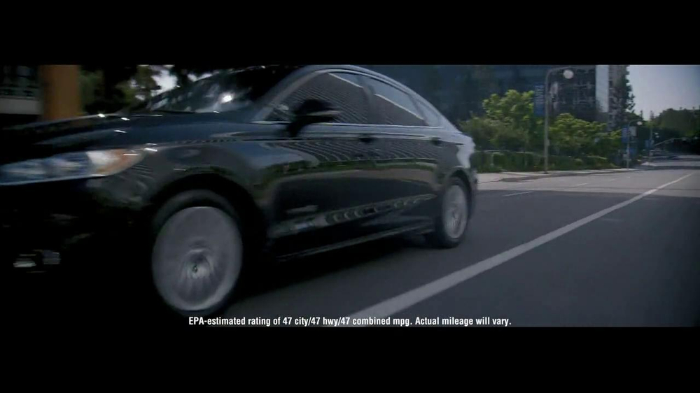 2014 Ford Fusion Hybrid TV Spot, 'Large or in Charge' - Screenshot 10