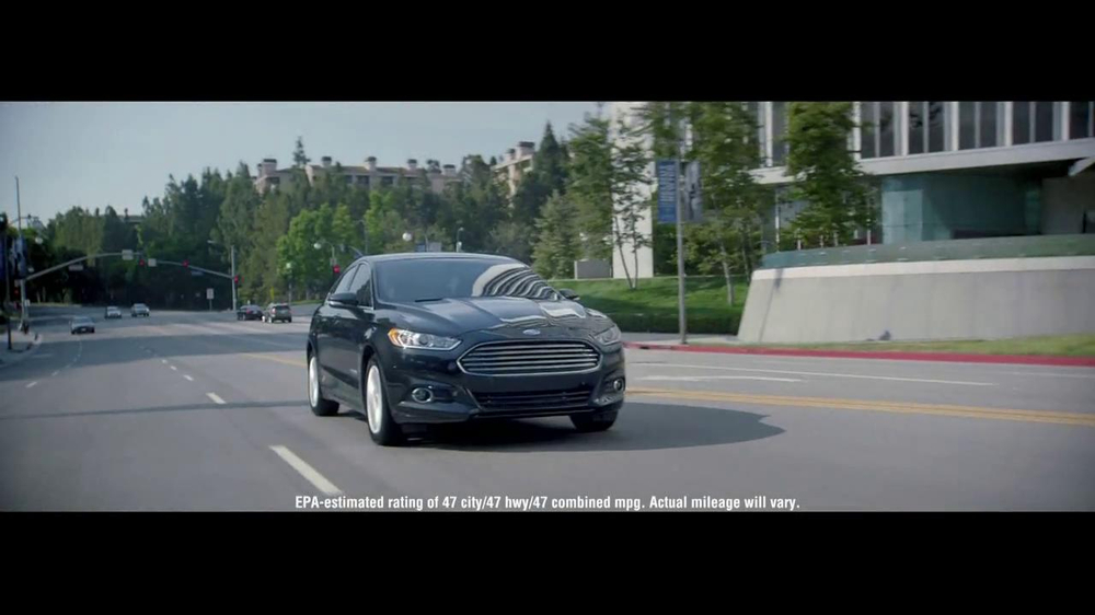 2014 Ford Fusion Hybrid TV Spot, 'Large or in Charge' - Screenshot 3