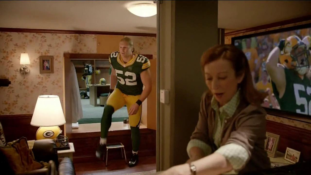 Campbell's Chunky Soup TV Spot, 'Souperstitious' Feat. Clay Mathews - Screenshot 4
