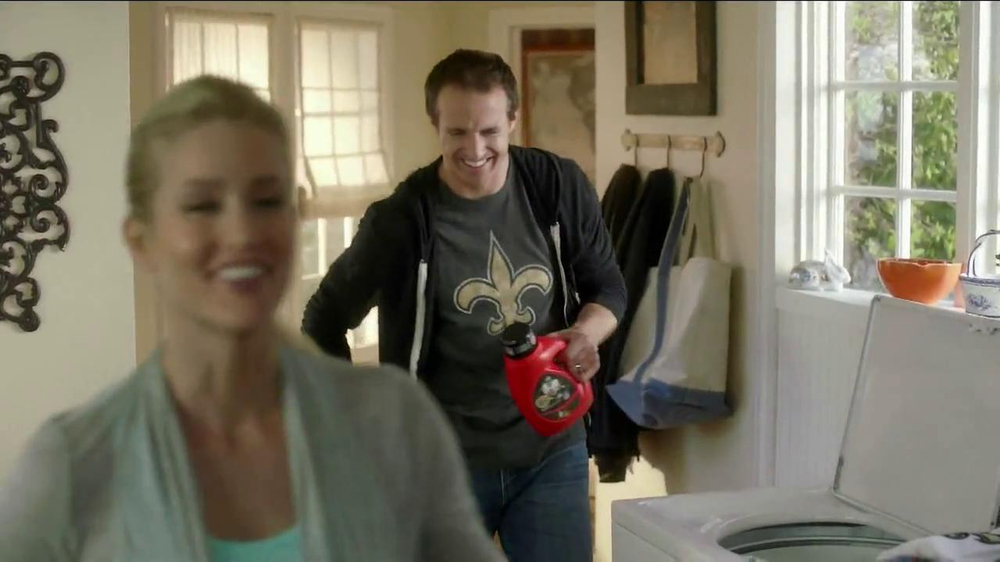 Tide TV Spot, 'NFL' Featuring Drew Brees - Screenshot 9