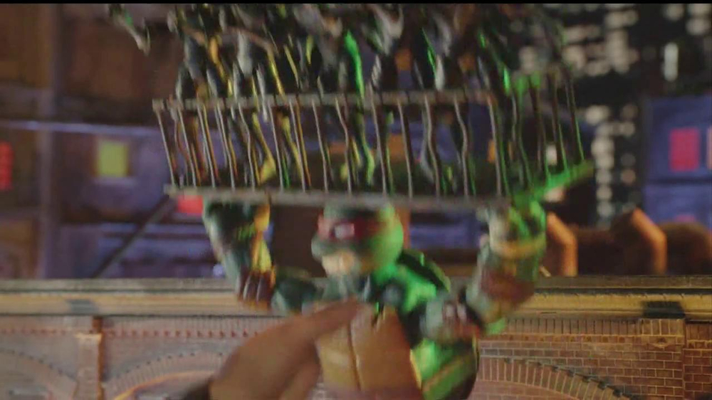Teenage Mutant Ninja Turtles Super-Sized Battle Shell Turtles TV Spot - Screenshot 6
