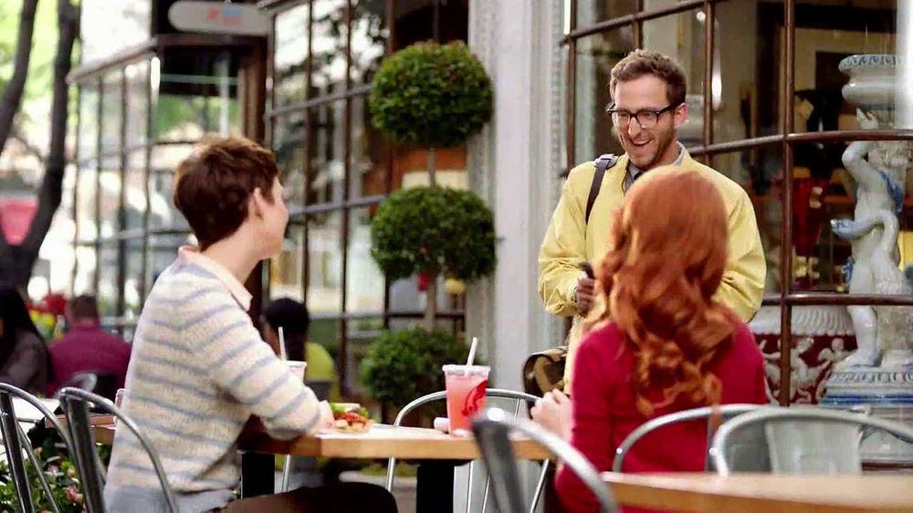 Wendy's Flatbread Grilled Chicken TV Spot, 'Have to Tweet it' - Screenshot 1