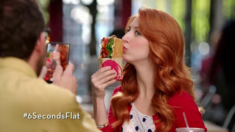 Wendy's Flatbread Grilled Chicken TV Spot, 'Have to Tweet it' - Screenshot 5
