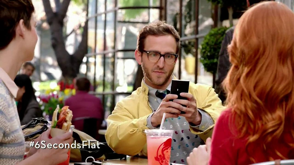Wendy's Flatbread Grilled Chicken TV Spot, 'Have to Tweet it' - Screenshot 6
