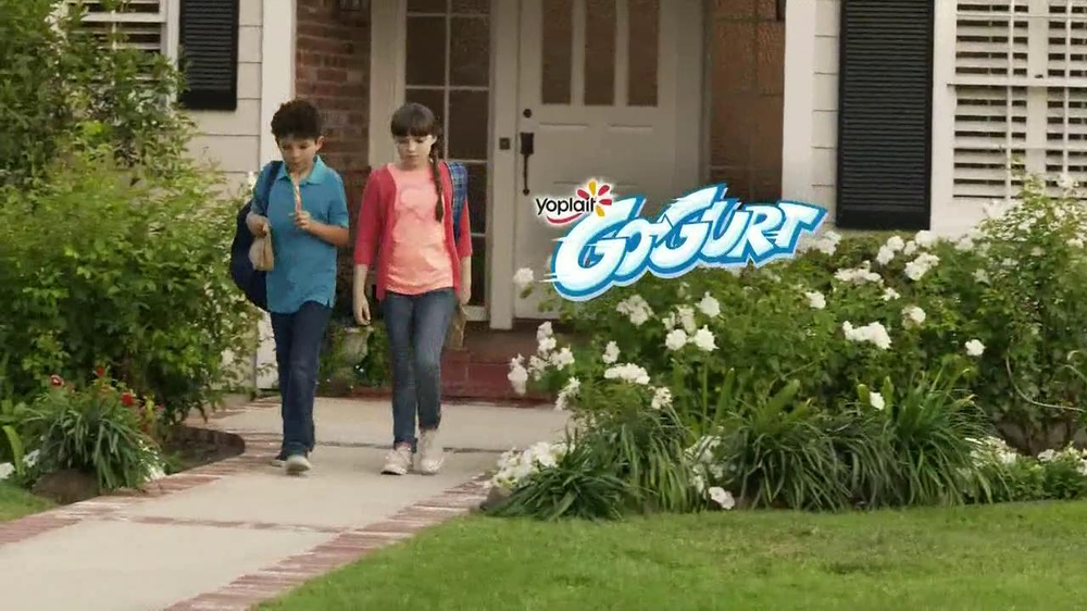 GoGurt TV Spot, 'Smokey Eye' - Screenshot 9
