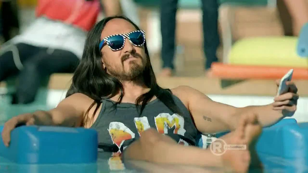 Radio Shack TV Spot, 'Sol Replic Deck' Feat. Lil Jon and Michael Phelps - Screenshot 9