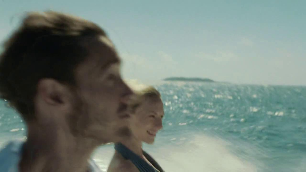Verizon Droid Max TV Spot, 'Droid Max: Island' - Screenshot 1