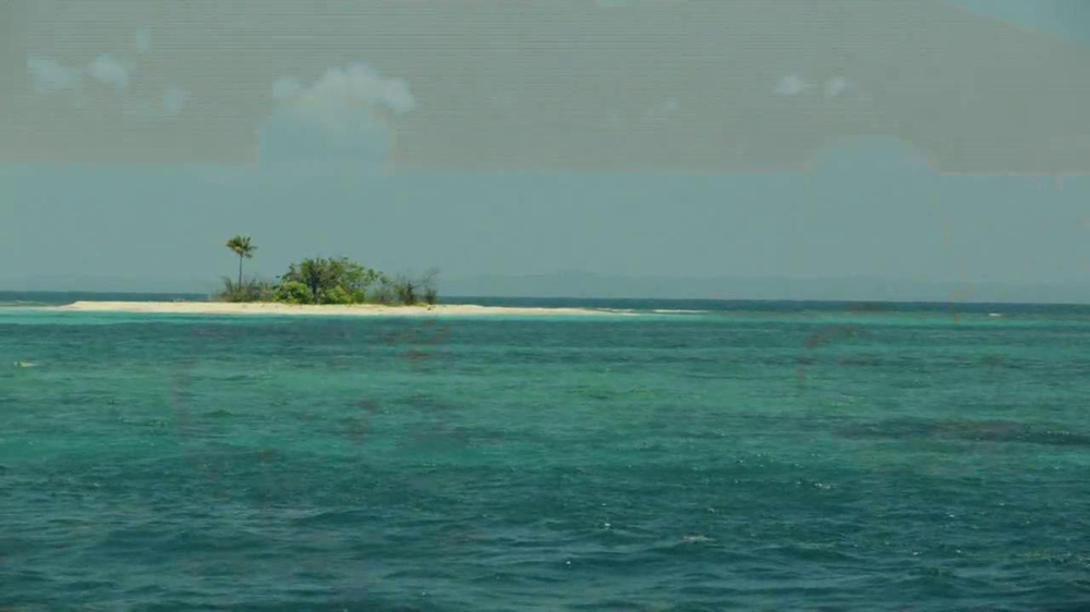 Verizon Droid Max TV Spot, 'Droid Max: Island' - Screenshot 6