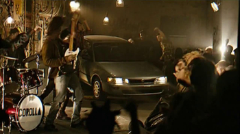 2014 Toyota Corolla TV Spot, 'Style Never Goes Out Of Style' - Thumbnail 7