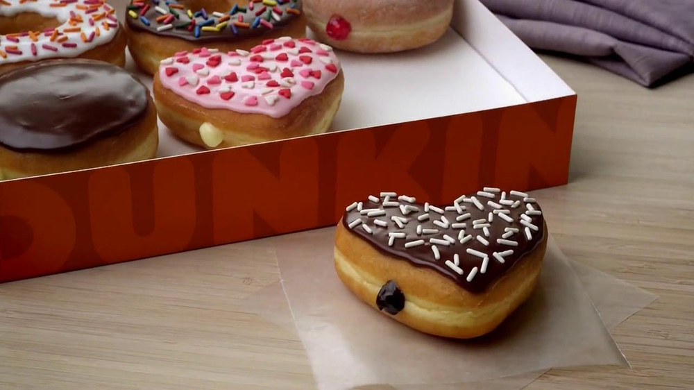 Dunkin' Donuts TV Spot, 'Office Valentine's Day' - Screenshot 8