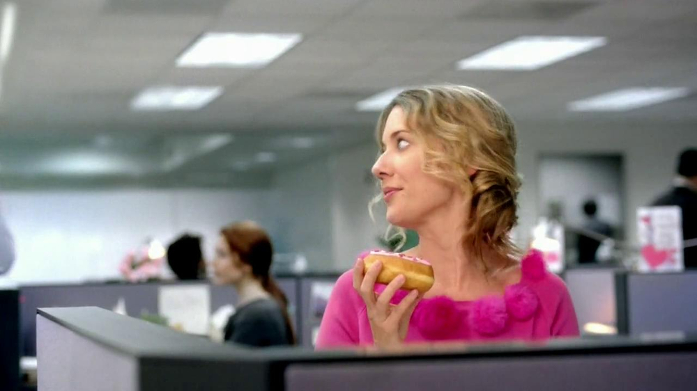 Dunkin' Donuts TV Spot, 'Office Valentine's Day' - Screenshot 4