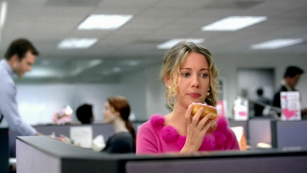 Dunkin' Donuts TV Spot, 'Office Valentine's Day' - Screenshot 5
