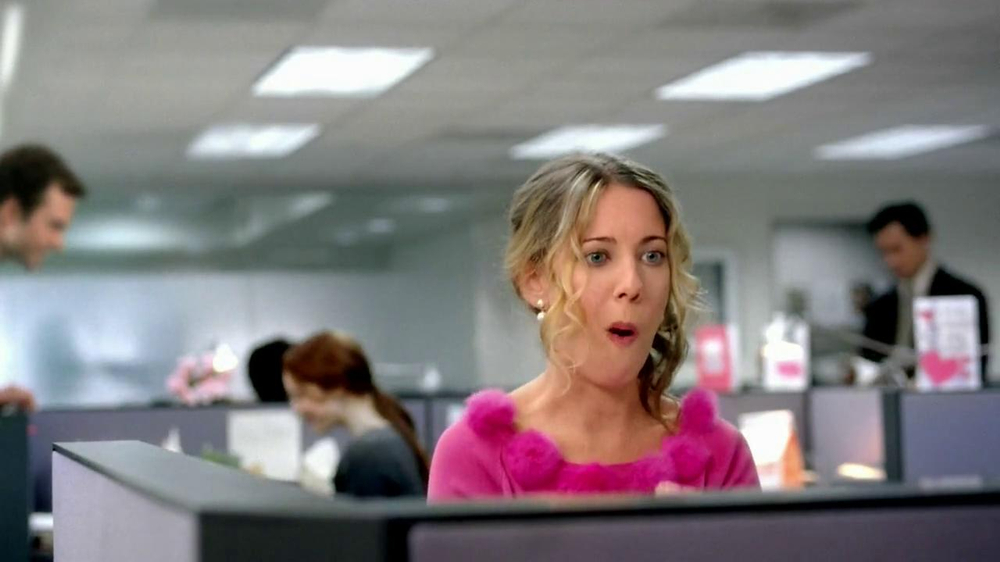 Dunkin' Donuts TV Spot, 'Office Valentine's Day' - Screenshot 6