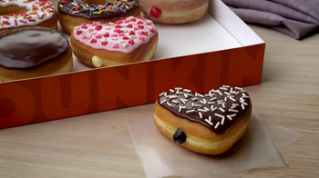 Dunkin' Donuts TV Spot, 'Office Valentine's Day' - Thumbnail 8