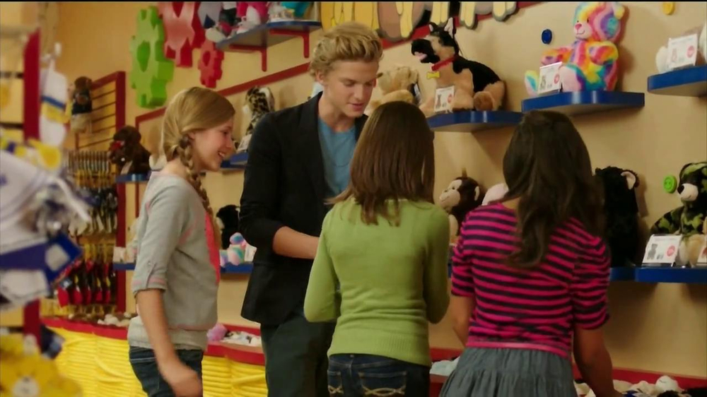 Build-A-Bear Workshop TV Spot Featuring Cody Simpson - Screenshot 7