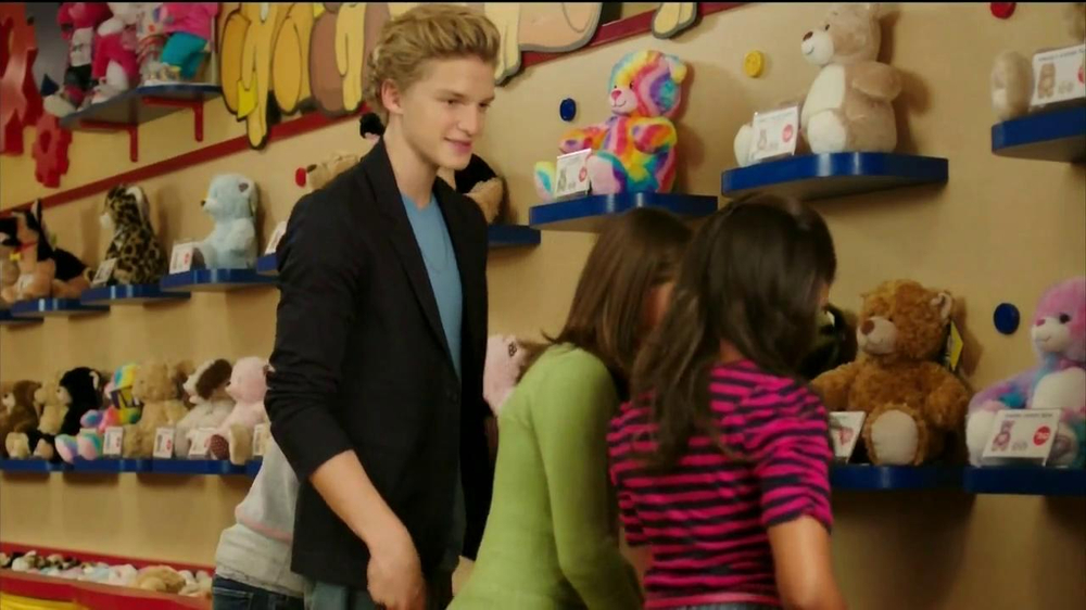 Build-A-Bear Workshop TV Spot Featuring Cody Simpson - Screenshot 8