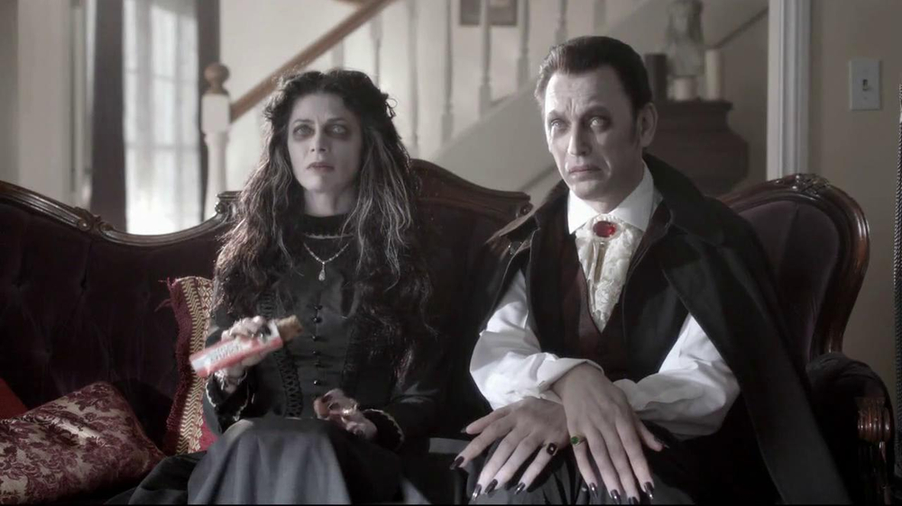 Nutri-Grain Fruit Crunch Bar TV Spot, 'Dracula' - Screenshot 3