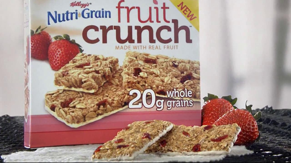 Nutri-Grain Fruit Crunch Bar TV Spot, 'Dracula' - Screenshot 6