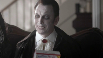 Nutri-Grain Fruit Crunch Bar TV Spot, 'Dracula' - Thumbnail 7