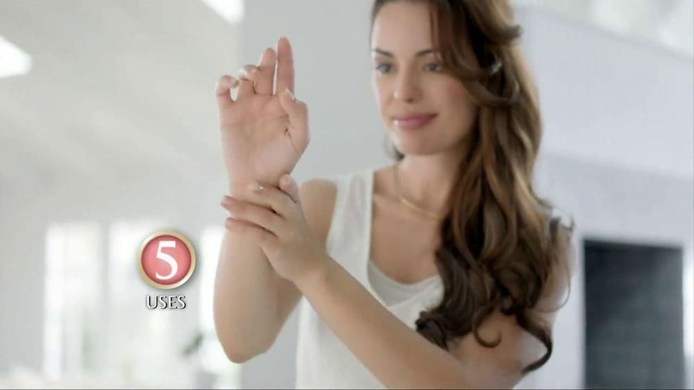 Dawn Hand Renewal TV Spot, 'Photoshoot' - Screenshot 9