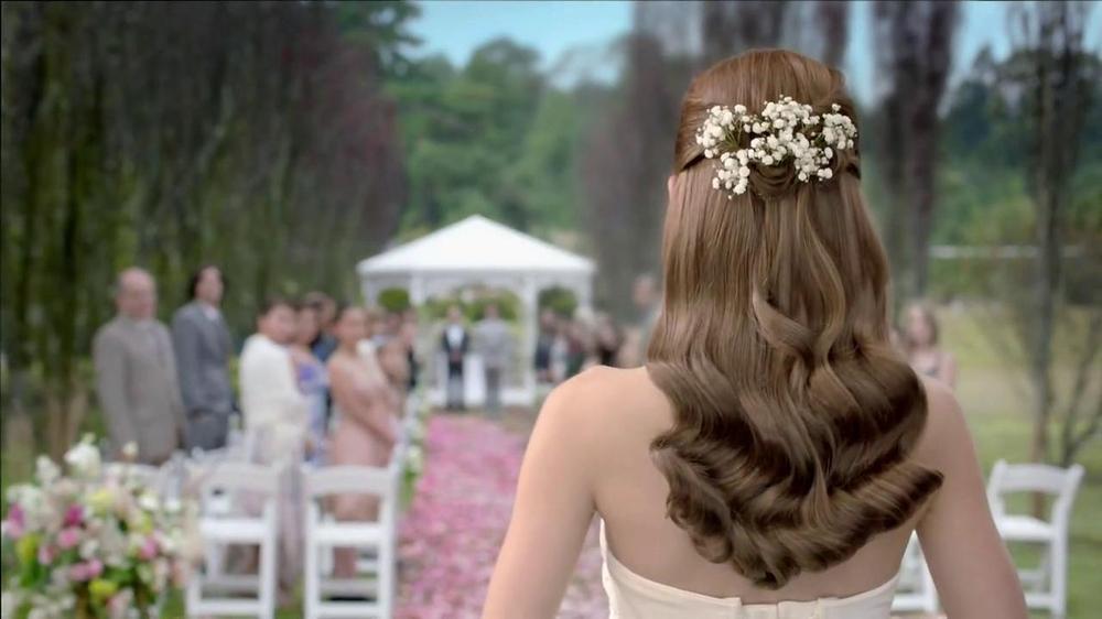 Revlon Luxurious Colorsilk Buttercream TV Spot Featuring Olivia Wilde - Screenshot 5