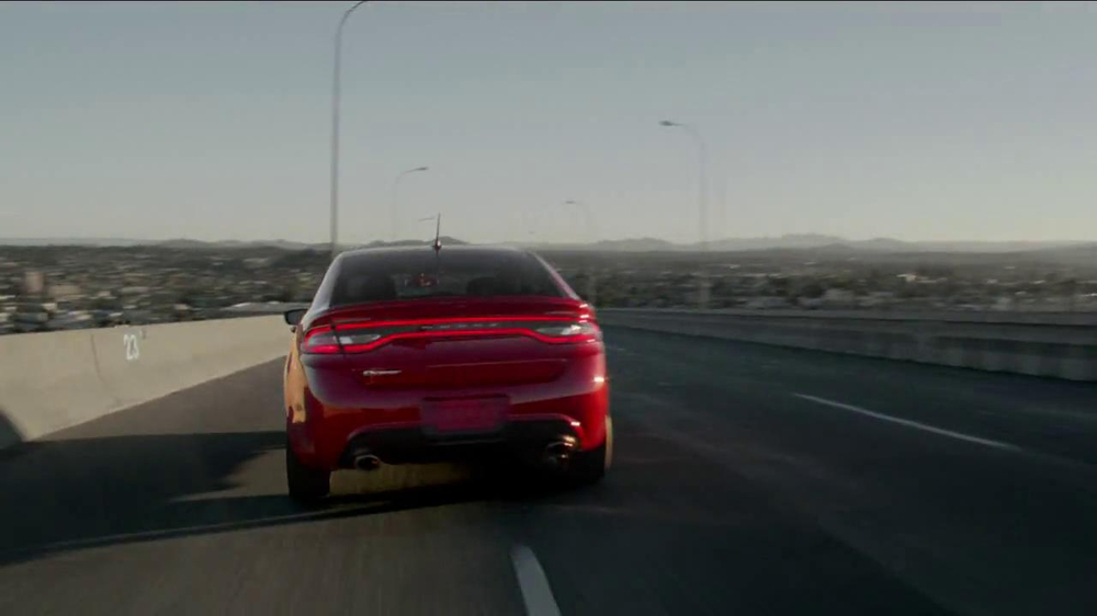 2013 dodge dart sxt tv commercial 39 green crowd critics. Cars Review. Best American Auto & Cars Review