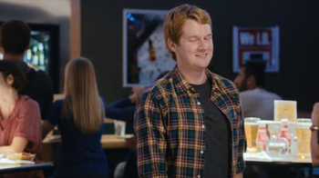 Buffalo Wild Wings TV Spot, 'Stranger' - Thumbnail 6