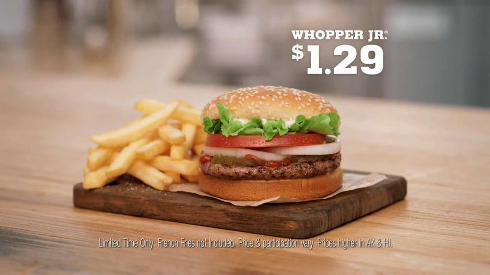 Burger King Whopper Jr. TV Spot, 'Dancing' - Screenshot 9
