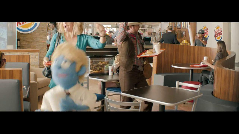 Burger King Whopper Jr. TV Spot, 'Dancing' - Screenshot 5