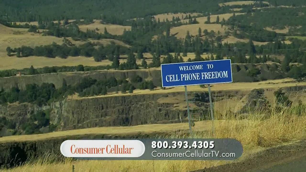 Consumer Cellular TV Spot, 'On the Road with Connie and Jack' - Screenshot 2