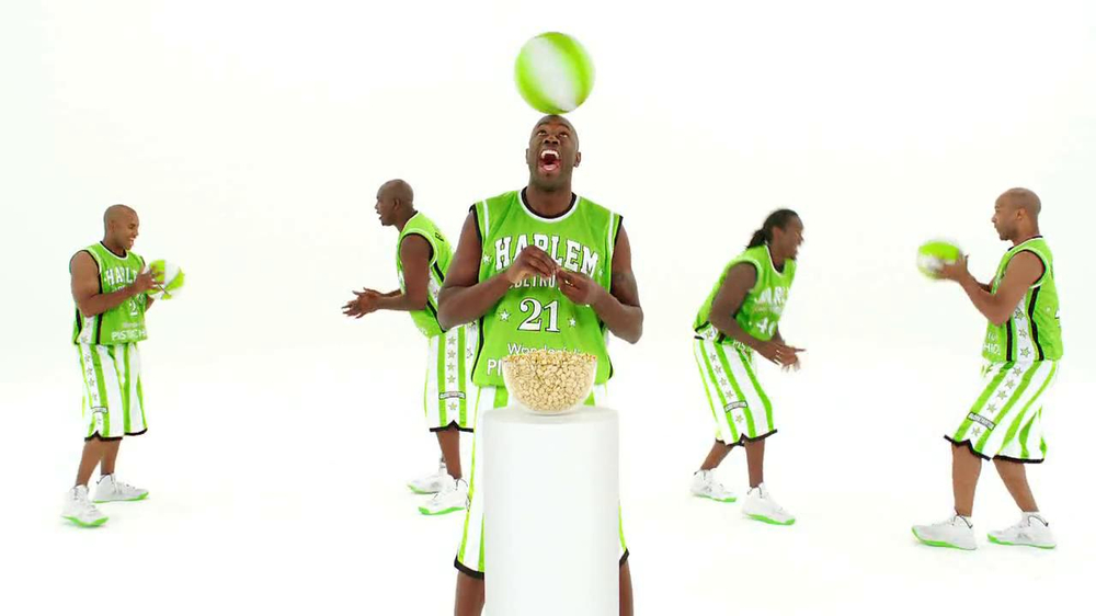 Wonderful Pistachios TV Spot Featuring The Harlem Globe Trotters - Screenshot 6