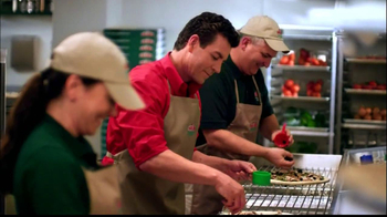 Papa John's Steak & Cheese Pizza TV Spot, 'Better Ingredients'