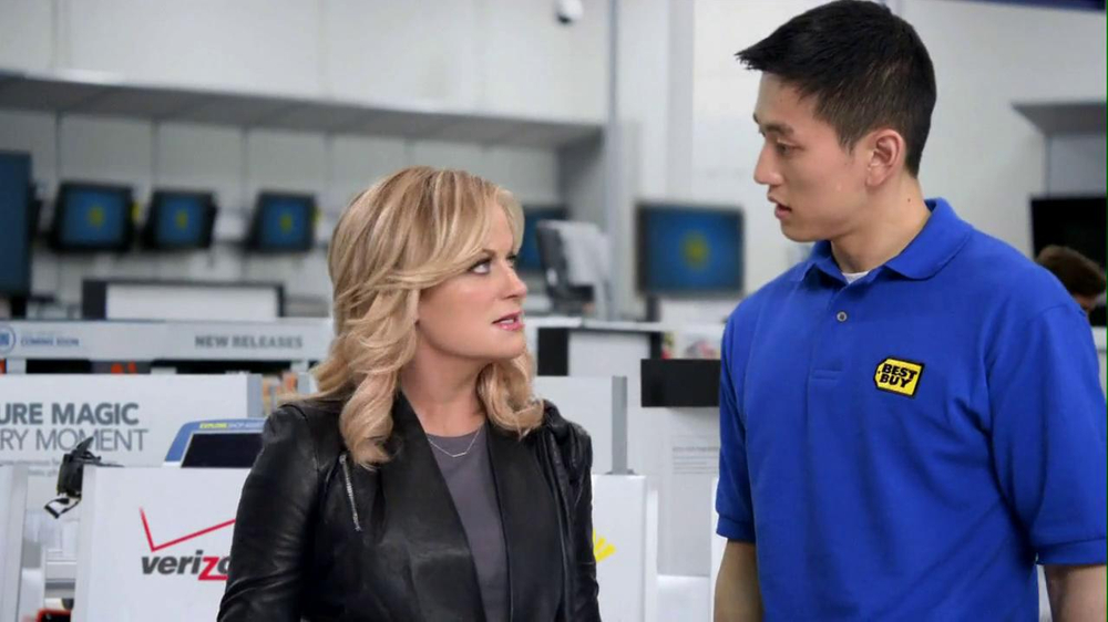 Best Buy 2013 Super Bowl TV Spot, 'Asking Amy' Featuring Amy Poehler - Screenshot 3