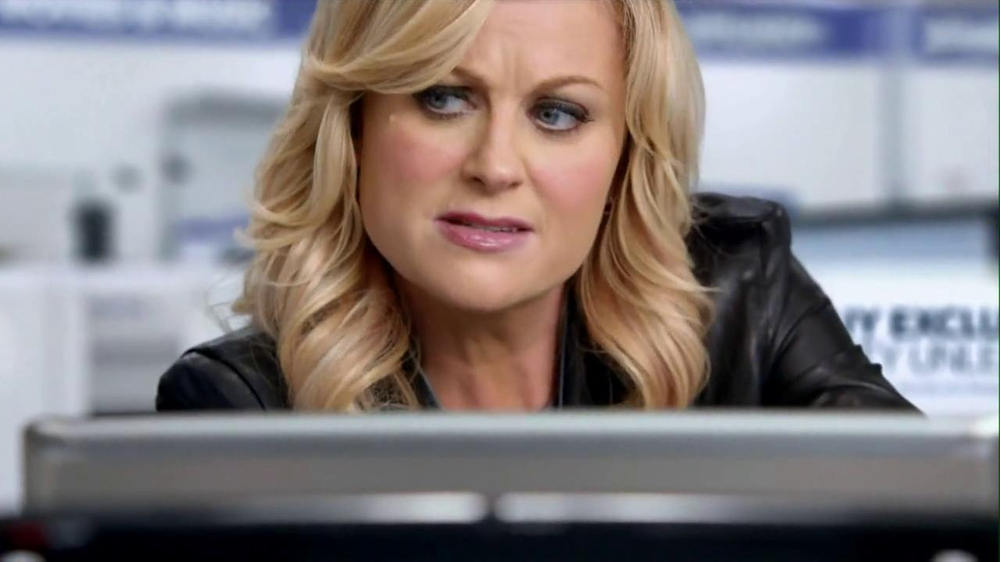 Best Buy 2013 Super Bowl TV Spot, 'Asking Amy' Featuring Amy Poehler - Screenshot 4