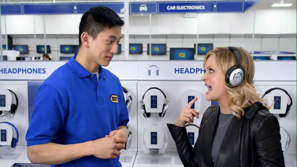 Best Buy 2013 Super Bowl TV Spot, 'Asking Amy' Featuring Amy Poehler - Screenshot 5