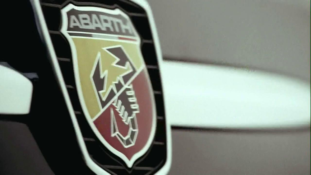 FIAT 500 Abarth Caprio TV Spot, 'Topless' - Screenshot 4